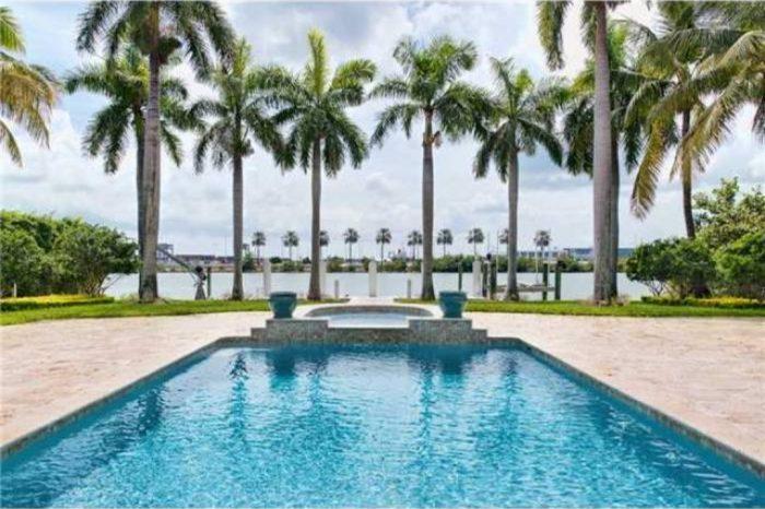 Villa Valaxa – Luxury Modern Home Miami