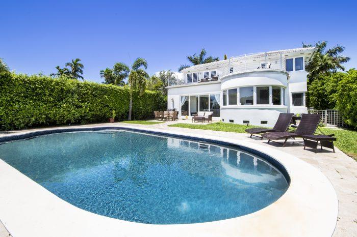 Villa Inesta – Waterfront Villa Miami
