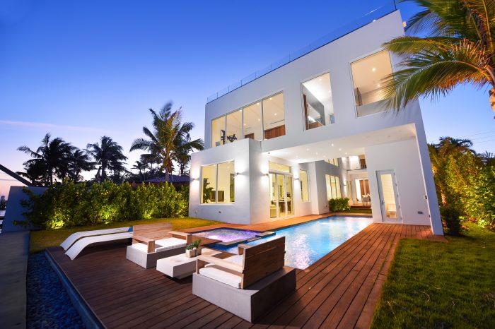 Villa Lana – Luxury Waterfront Home Miami