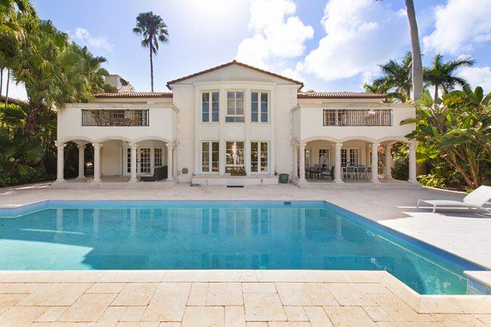 Villa Chloe – Waterfront Villa Miami