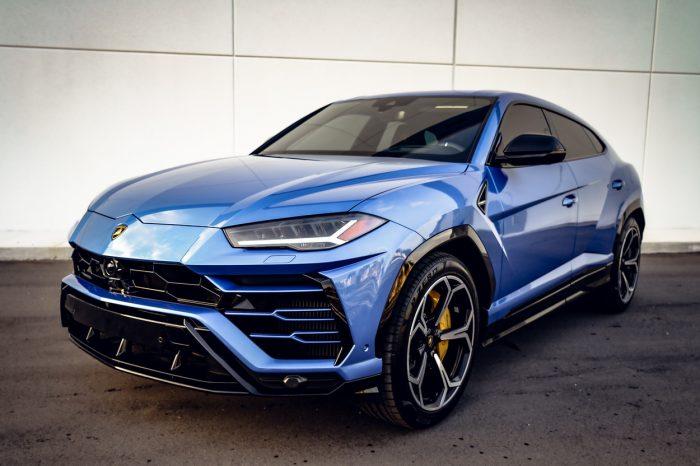 Lamborghini Urus Baby Blue
