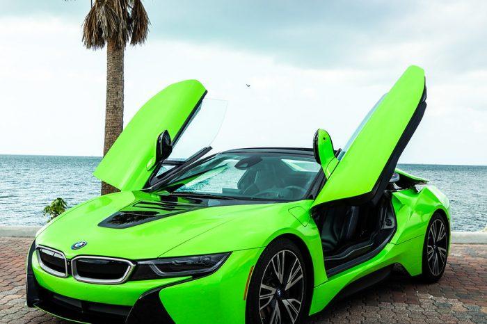 BMW i8 Roadster Green