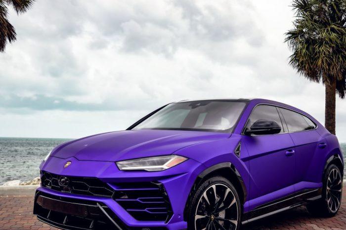 Lamborghini Urus Purple
